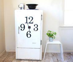 Magnetic (fully functional) fridge clocks?