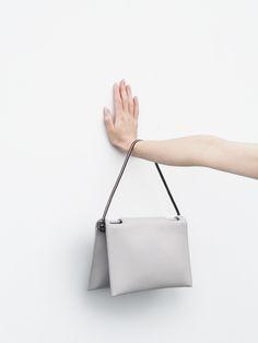 Love Aesthetics Aetelier / Flat Fold bag | Architect's Fashion
