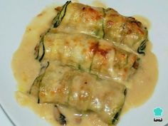 Mushroom stuffed zucchini cannelloni – Foods and Drinks Tasty Vegetarian Recipes, Real Food Recipes, Vegetable Recipes, Cooking Recipes, Healthy Recipes, Go Veggie, Deli Food, Food And Drink, Healthy Eating
