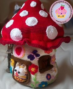 beautiful house wantto live in ♡ Crochet Fairy, Crochet Tree, Crochet Box, Crochet Gratis, Cute Crochet, Beautiful Crochet, Crochet Dolls, Champignon Crochet, Sewing Patterns Free Home