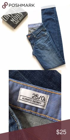 Cute skinny jeans ✨EUC  ✨measurements upon request  ✨no trades  ✨make me an offer I can not refuse  ✨if you have any other questions let me know   Always thank you for shopping and don't forget to save 20% by bundling GAP Jeans Skinny