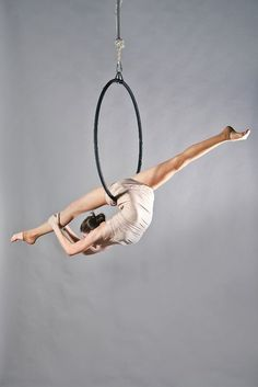 lyra , would love to do this move with such a stunning line
