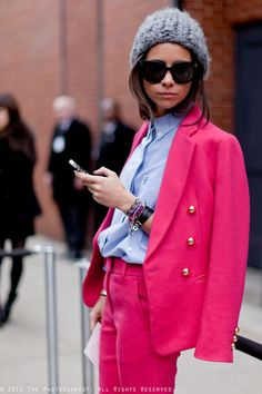 Natasha Goldenberg: That Pink Suit! Street Chic, Street Wear, Street Style, Cool Outfits, Fashion Outfits, Fashion Trends, Classic Suit, Pink Suit, Professional Look