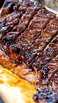 This Grilled London Broil Recipe is absolutely amazing. It is juicy and flavorful and cooks in just a matter of minutes. Making shallow cuts on each side of the meat helps it cook up just right and lets the flavor of the marinade really get into the meat. Pork Rib Recipes, Spicy Recipes, Grilling Recipes, Cooking Recipes, Smoker Recipes, Fast Recipes, Sausage Recipes, Grilled London Broil, London Broil Marinade
