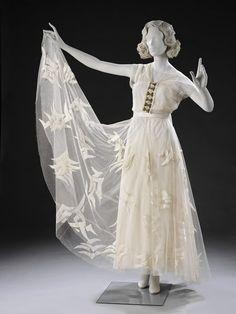 Evening dress, Madeleine Vionnet, 1935.