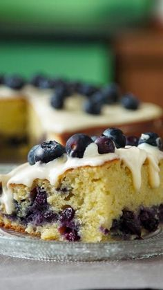 Deliciosa torta esponjosa con arándanos