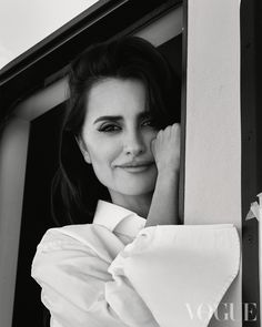 Penélope Cruz by Greg Williams for British Vogue February 2020 Hollywood Icons, Hollywood Fashion, Penelope Cruze, Greg Williams, Edward Enninful, Spanish Actress, Renee Zellweger, Best Dramas, Best Actress