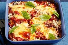Chicken parmigiana bake Take a rich tomato sauce base and top with tasty chicken schnitzels and eggplant for a family meal that's ready when you are. Cacciatore Recipes, Self Saucing Pudding, Chicken Parmigiana, Chicken Schnitzel, Easy Chicken Dinner Recipes, Pub Food, Pudding Recipes, Italian Foods, Recipes