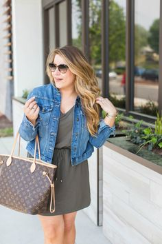 Spring outfit idea - this denim jacket is a closet staple, and for good reason! Click through for more on this denim jacket outfit and for the best Mother's Day gift idea ever!
