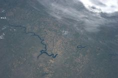The Missouri River, winding through South Dakota. Karen L. Nyberg (AstroKarenN) no Twitter