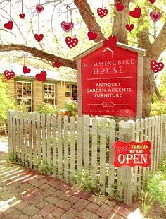 Hummingbird House loves Valentine's Day ❤