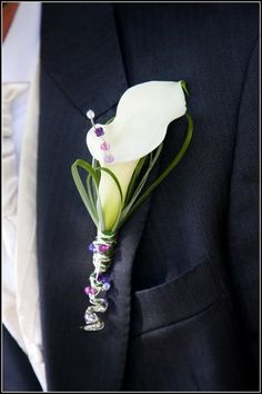 calla lily boutonniere - without the beads add hypericum Boutonnieres, Calla Lily Boutonniere, Lily Bouquet, Bracelet Corsage, Wrist Corsage, Prom Flowers, Wedding Flowers, Wedding Day, Calla Lillies