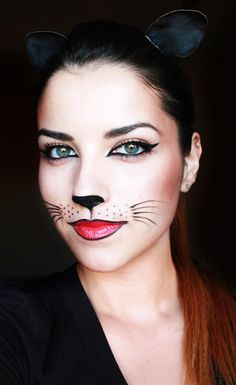Simple cat face makeup // Halloween ideas