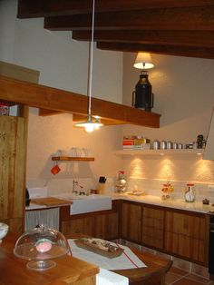 la cuina i les làmpades d'en Berino