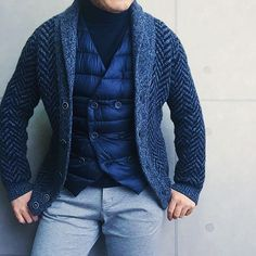 . 2016/11/21. . おはようございます🙋🏻. . 午後から雨の予報でしたので カジュアルコーデで☂. . ヘリンボーンのショールカーディガンは 去年に続きカジュアルコーデで大活躍です😆. . コットンタートル気に入って また色違いでゲットしてしまいました👍✨. . . Cardigan #GranSasso Knit #CIRCOLO1901 Gilet #HERNO Pants #SOLIDO * * * #mensstyle #mensfashion #menswear #mnswr #wiwt #fashion #fashionstyle #fashionable #me #photooftheday #picoftheday #instagood #instastyle #instafashion #IGfashion #instacool #coordinate #dapper #ootd #outfit #outfitpost #fashiongram #gentleman #beamsf #Brillaperilgusto #casual