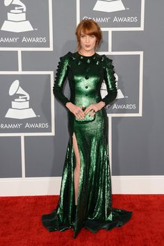 La cantante Florence Welch in uno splendido Givenchy ai Grammy 2013