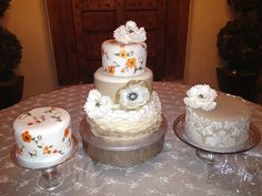 LOVE these vintage cakes done by Emma J's Bakery here at The Palace Event Center! #thepalaceeventcenter #venues #weddings #cakes