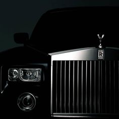 Dark and Mysterious Rolls Royce! Classic Motors, Classic Cars, Rolls Royce Wallpaper, Street Racing Cars, Rolls Royce Cars, Rolls Royce Phantom, Engin, Best Luxury Cars, Automotive Photography