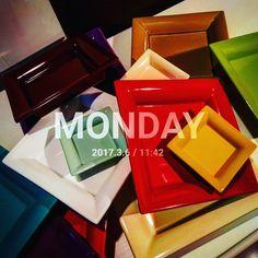 Il #lunedì rientrare a lavoro è sempre #caos !  Anche per voi?  #marionisrl #marioniconceptcollection #modaymorning  #caosday #caosdalunedí #mondaycaos #buonasettimana #buonlunedì #shooting #backstage #photo #photoday