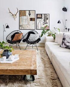 La silla Acapulco es uno de los diseños de silla más reconocidos del siglo 20. La separación de los rayos conforma una trama fresca y permeable, emulando las antiguas técnicas de tejido Maya. #FelizMiércoles #SillaAcapulco #DiseñadorAnónimo #NativaInteriorismo #MueblesDeDiseño #Mexico #CDMX #RomaSur #LaRoma #TiendaDeMuebles #Muebles #Furniture #Diseño #Design #Decoracion #Decoration #Arte #Art #Interior #Interiores #Casa #HomeDecor #Silla #Chair #Estilo #Calidad #Ideas #Comfort #Designer…