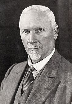This Day in History: Sep Jan Smuts, statesman, military leader philosopher, dies Union Of South Africa, Carthage, My Land, African History, Military History, Historian, World War Two, Persona, My Hero