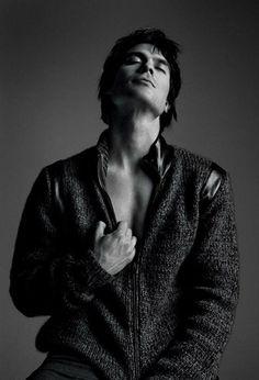 Ian-Somerhalder-Covers-Essential-Homme-September-October-2012-5