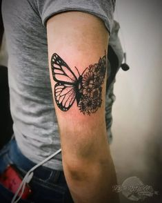 If you're looking for 3d, tiny, large, geometric, dreamy, delicate tattoo ideas in black ink or color, let these butterfly designs inspire your next piece of body art. Traditional Butterfly Tattoo, Colorful Butterfly Tattoo, Butterfly Tattoos For Women, Cute Tattoos For Women, Butterfly Tattoo Designs, Best Tattoo Designs, Tattoos For Guys, Dope Tattoos, Future Tattoos