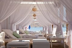 Beach Bed Bookings in Greece, Easy & Fast - Travel Concept Solution
