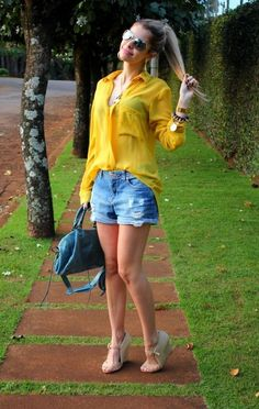 Carol Tognon - Look – So Happy Short Outfits, Cool Outfits, Casual Outfits, Summer Outfits, Fashion 2020, Look Fashion, Cotton Shorts Women, Boyfriend Jeans Outfit, Look Con Short