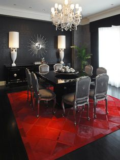 Glamorous-Eclectic-Dining-Room-Decorating-With-Cowhide-Rug-On-Red-Colors-Black-Glossy-Square-Dining-Table-Classic-Chairs-Black-Curtain-Chandelier-And-Contemporary-Wall-Hanging.jpg (550×734)