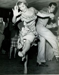 Actors Piper Laurie & Rock Hudson hit the dance floor (1952). Photographer unknown. via Giuly (sweetvintagegal) on flickr