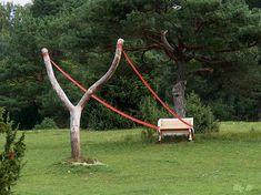 Корнелия Конрадс (Cornelia Konrads) (род. 1957) – современный немецкий художник, скульптор и дизайнер. Работает в жанре ленд-арта.