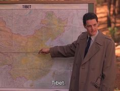 Dale Cooper explains how to get your tv series banned in china to you Serie Twin Peaks, Twin Peaks Tv, Twin Peaks 1990, David Lynch Twin Peaks, Twin Peaks Quotes, Kyle Maclachlan, Netflix, Between Two Worlds, Special Agent