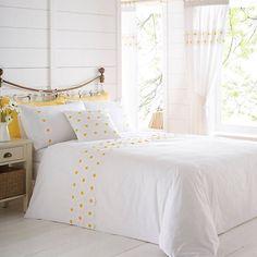 Daisy Border Duvet Cover & Standard Pillowcase Set