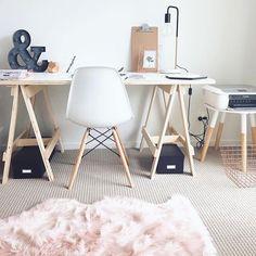 Rose quartz #workspacegoals // via @workspacegoals on Instagram