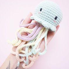 December 2. ❄️ A little jellyfish for my little man 🌈 Pattern by 👉🏼 @bluerabbit_crochet