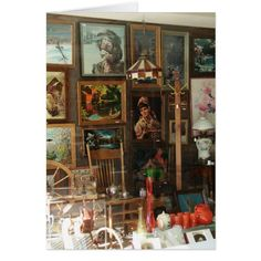 Antique Store Displays, Antique Mall Booth, Antique Stores, Vintage Display, Window Display Retail, Window Display Design, Retail Displays, Store Front Windows, Shop Windows