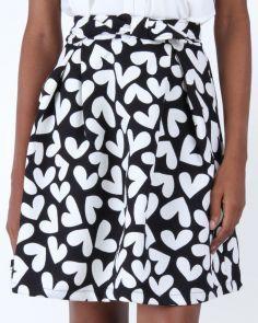 We heart this skirt, its giving us all sorts of feelings. https://www.jumia.com.ng/kilibbi-a-line-printed-skirt-under-knee-blackwhite-372017.html