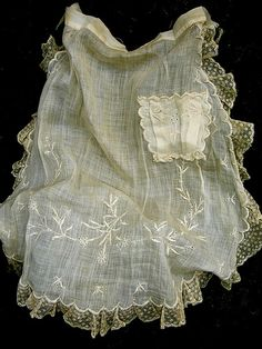 Lovely & fragile vintage apron from around the 1920s