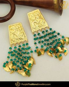 Indian Jewelry Earrings, Indian Jewelry Sets, Jewelry Design Earrings, Gold Earrings Designs, Bridal Jewelry, Antique Jewellery Designs, Indian Jewellery Design, Punjabi Traditional Jewellery, Gold Work