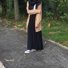 dinner date outfits Modern Hijab Fashion, Street Hijab Fashion, Hijab Fashion Inspiration, Muslim Fashion, Modest Fashion, Fashion Outfits, Teen Girl Fashion, Style Fashion, Fashion Tips