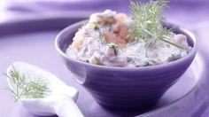 Aufs Brot oder zum Dippen: Räucherlachs-Käse-Creme mit Dill und Meerrettich | http://eatsmarter.de/rezepte/raeucherlachs-kaese-creme