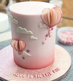 Cake Decorating Frosting, Cake Decorating Designs, Cake Decorating Techniques, Cake Designs, Modern Cakes, Unique Cakes, Creative Cakes, Beautiful Birthday Cakes, Baby Birthday Cakes