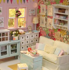 "Looks like a super comfortable mini room to hang out in and get creative - wish I were a doll!  Diorama "" Spring Paradise "" ♥ooak by Nerea Pozo♥ 
