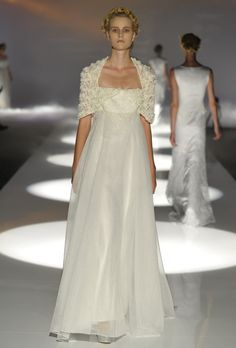 Free-Flowing, Fall Bridal Gowns For Your Vow Renewal: Part 2. #vowrenewal #dresses #flowy http://buff.ly/1PzaY6Z