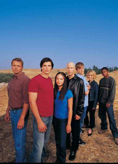 Season One of the best show ever: Smallville.I blam my dad for making me watch this, I'm addicted Clark Kent, Annette O'toole, John Schneider, Tom Welling, Kristin Kreuk, The Cw, Movies And Series, Tv Series, Superman