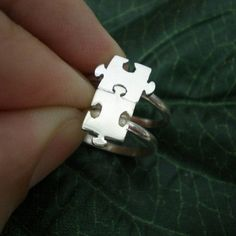 Set of 2 Puzzle Rings - Jigsaw Puzzle Ring - Best Friend Rings - Christmas, Thanksgiving, New Year G Best Friend Rings, Best Friend Jewelry, Bff Rings, Cute Rings, Cute Jewelry, Jewelry Accessories, Etsy Jewelry, Puzzle Ring, Puzzle Jewelry