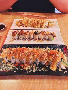 Sushi Hook in Sacramento 📍 Sushi Recipes, Cooking Recipes, Healthy Recipes, I Love Food, Good Food, Yummy Food, Japanese Food Sushi, Food Goals, Aesthetic Food