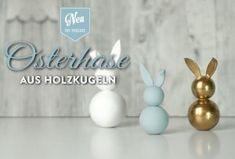 DIY: hübsche Deko-Osterhasen aus Holzkugeln einfach selber machen!Die Anleitung mit Vorlage findet Ihr hier: https://www.deko-kitchen.de/diy-huebsche-deko-osterhasen-aus-holzkugeln/