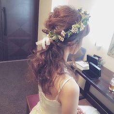ナチュラル花冠(*˘︶˘*).。.:* 素敵な大好きなご夫婦に♡ Happy wedding( ⁎ᵕᴗᵕ⁎ ) #ブライダル #熊本 #ヘアアレンジ #熊本ヘアセット #osumiブライダル #結婚式準備 #プレ花嫁 #ヘアメイク #ブライダルヘア #カラードレス #hair #hairstyle #アイリーナ熊本 #前撮り Wedding Hair And Makeup, Wedding Hair Accessories, Hair Makeup, Bride Hairstyles, Messy Hairstyles, Bridal Hairdo, Hair Arrange, Hair Wreaths, Floral Hair